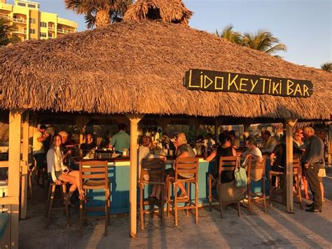 Hotel Tiki Bar by Tiki Bar On The Fotograf 237 A De Lido Key Tiki Bar