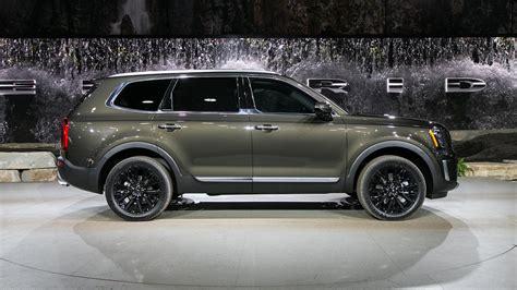 auto showdown  ford explorer   kia telluride