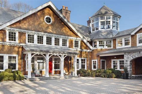 bruce willis asks  million   york country retreat mansion global
