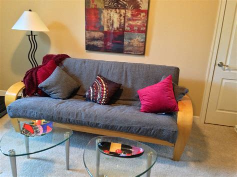 Decorating Ideas Using A Futon