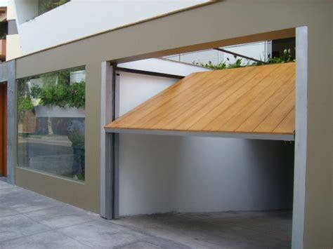 Puertas De Garaje De Madera Y Sus Desventajas  Ideas Para