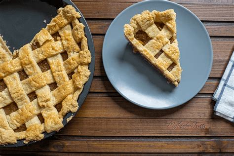 Really good apple pie can — and should — be easy to make. Homemade Apple Pie Recipe from Scratch - Step by Step Recipe