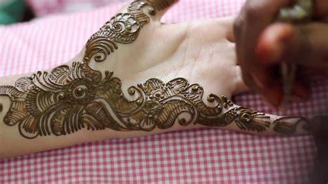 Beautiful Pakistani #wedding #mehndi... Jewelry Gold Online Store Pandora Return Policy Pakistani Usa Exchange Woodbridge Hours Liquidation Elmhurst St Louis Toronto Yonge