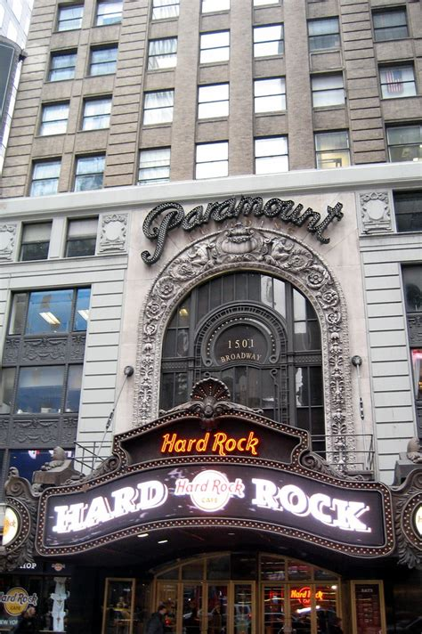 nyc times square paramount building famed theatre