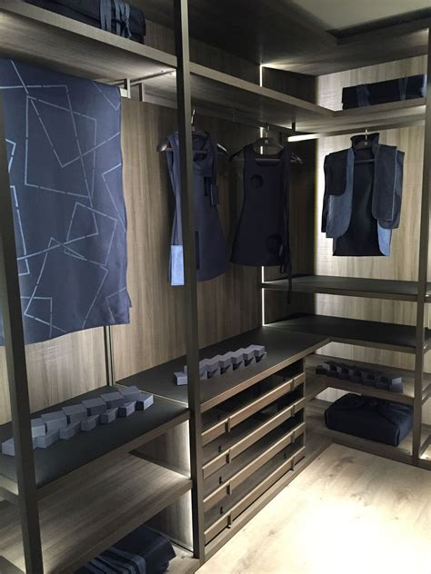 Wardrobe In Closet by 16 Innovative Bedroom Storage And Walk In Closet Ideas