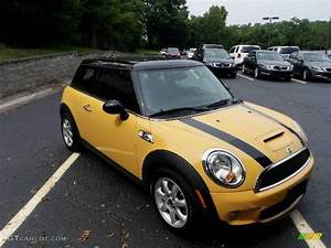 Mini Cooper S 2008 : 2008 mellow yellow mini cooper s hardtop 18985578 photo 2 car color galleries ~ Medecine-chirurgie-esthetiques.com Avis de Voitures