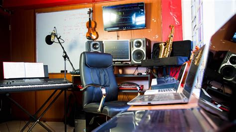The recording connection music engineering exernship in chicago breaks that cycle. Best Music Production School Kenya | KAMATA SCHOOL OF MUSIC