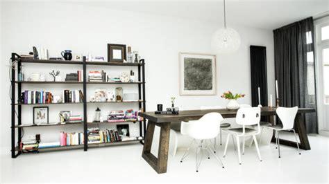 libreria legno grezzo libreria in legno grezzo stile e charme westwing