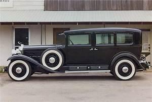 AL CAPONE'S CUSTOM DESIGNED ARMORED 1930 CADILLAC MODEL ...