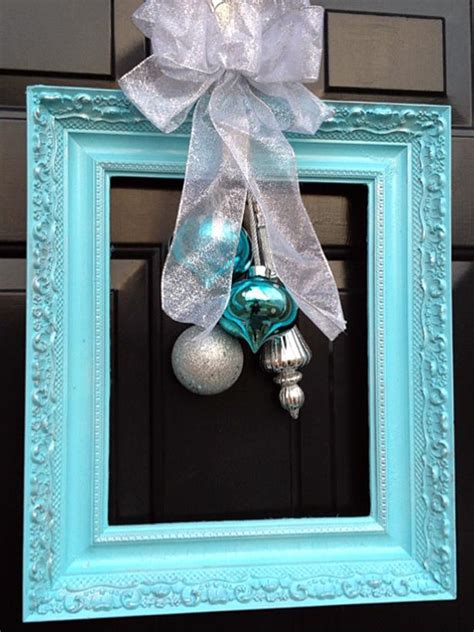 unique holiday door decor 10 unique ways to decorate your front door for the holidays diy home decor and decorating