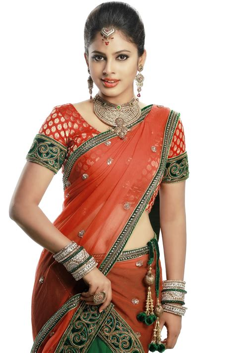 Tamil Actress Nandita Swetha Hot Hd Photos Cap