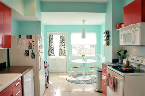 what are popular kitchen colors sherwin williams quot aquatint quot paint colors 8932