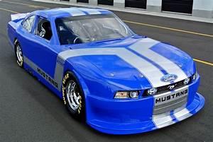 2012 FORD MUSTANG GT NASCAR RACE CAR - 139300