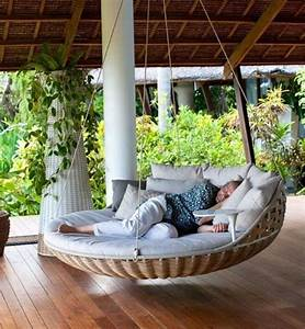 Outdoor Porch Bed for Your House
