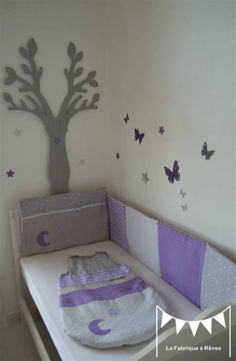 chambre tours decoration lit gris