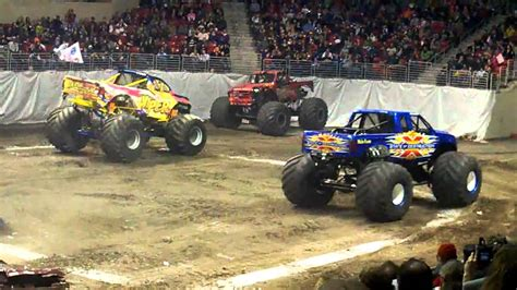 monster truck racing video vs viper monster truck racing youtube