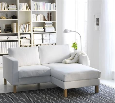 Small Couches For Rooms by 1000 Ideas About Couches For Small Spaces On