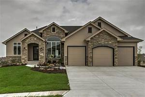 1 1/2 Story Traditional House Plan