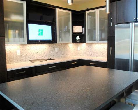 Maple Rohe Espresso Cabinets, Silver Pearl Granite