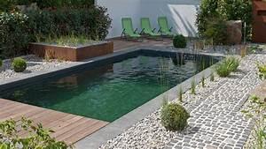 Kleiner Garten Mit Pool : garten mit naturpool und koiteich klare linien und skulpturen baumann g rten und freir ume ~ Markanthonyermac.com Haus und Dekorationen