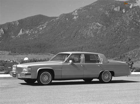 Images of Cadillac Sedan de Ville 1980–84 (1024x768)