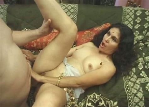 Skinny Indian Mom Gets Her Ruined Vagina Pounded In