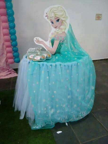 disney frozen table disney princess cupcake table elsa frozen party planning