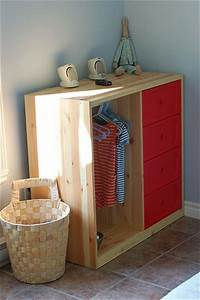 Rangement Vetement Chambre : une chambre montessori pour le petit dernier cocon ~ Teatrodelosmanantiales.com Idées de Décoration