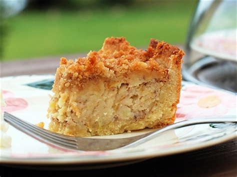 apfelkuchen mit marzipan und nuessen apfelkuchen rezeptde