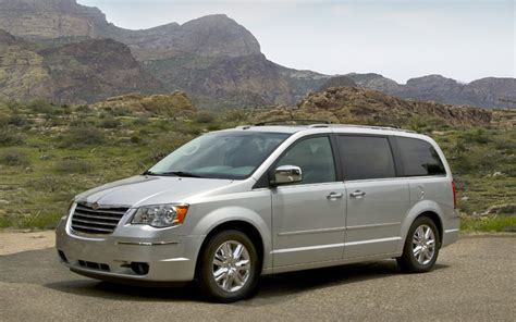 2009 Chrysler Town And Country by 2009 Chrysler Town And Country Limited Drive