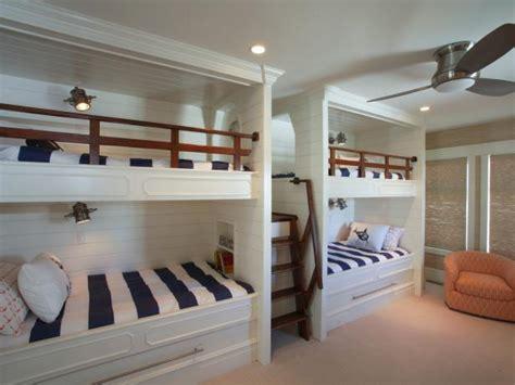 kid friendly bedroom sleeps   bunk beds hgtv