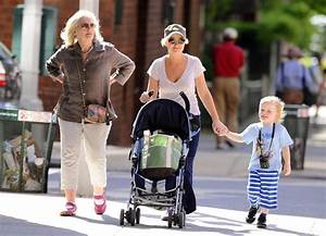 Amy Poehler and Family Out for the Day - Zimbio