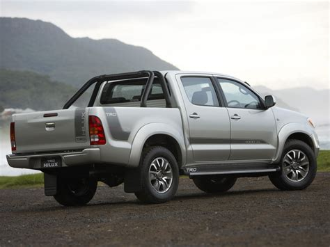 toyota 4wd toyota recalls more than 116 000 4wd hilux utes