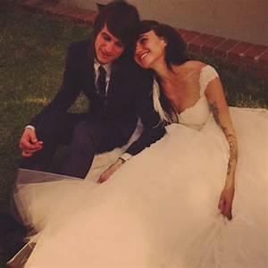 Lights expecting her first child with husband Beau Bokan