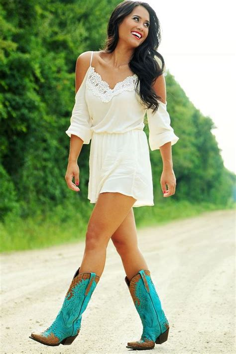 Country Concert Outfits For Women u2013 20 Styles To Try