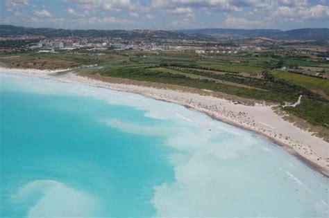 solvay si鑒e social la spiaggia caraibica è in italia ma nasconde un dettaglio inquietante