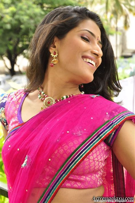 Very Hottest Navel Show Dhansika Hot Spicy Spicy Pic