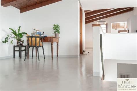 pavimenti in resina prezzo pavimenti in microcemento prezzi a partire da 25 al mq