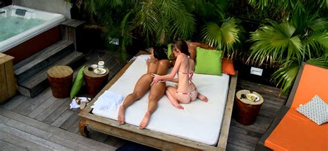 Stunning Babe Gets Banged Outdoor In A Desert And By An Outdoor Pool. - YOUX.XXX