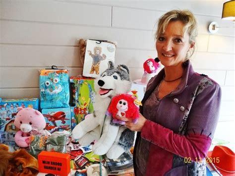 editiepajot herne lady safira  silver fox schenken cheque en speelgoed aan het ocmw