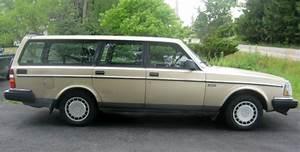 Classic 1990 Volvo 240 Station Wagon 5