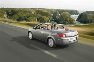 Renault 207 : renault megane cc 1 6 16v 2007 vs peugeot 207 cc hdi 110 2011 ~ Gottalentnigeria.com Avis de Voitures