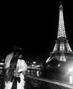 Holding, Hands, In, Paris