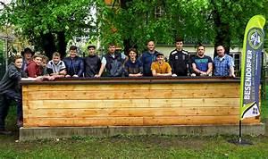 Wie Baut Man Ein Hochbeet : pts bad goisern baut hochbeet mit firmenanleitung ~ Frokenaadalensverden.com Haus und Dekorationen