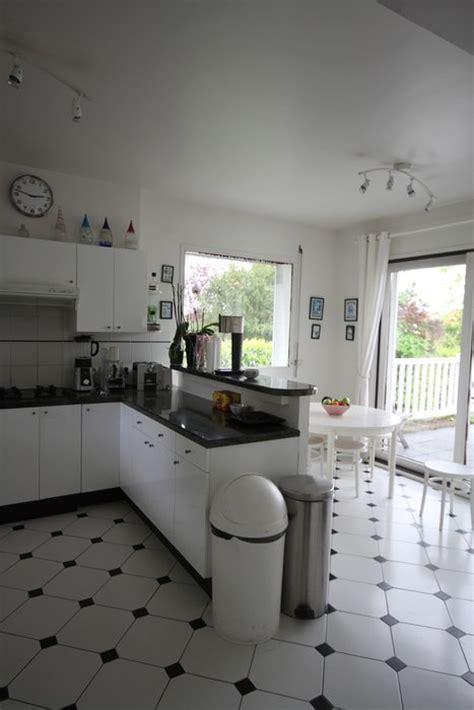 modele cuisine noir et blanc cuisine carrelage noir et blanc