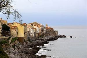 Cefalu Sicily Small Fishing Village In North Sicily