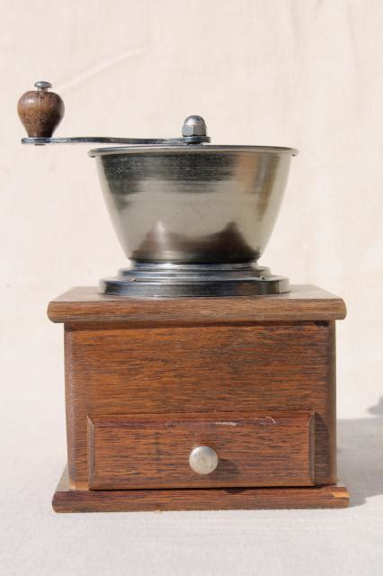 Early 20th century, in good condition. old fashioned vintage coffee mill, hand crank coffee grinder wood box w/ drawer