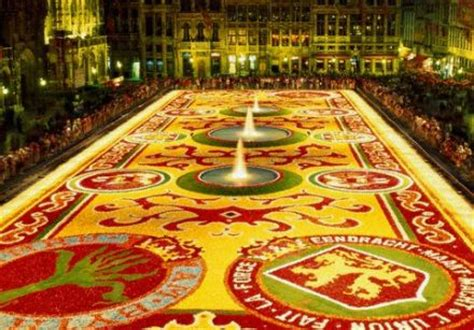 le tapis de fleurs le grand tapis de fleurs de bruxelles d 233 ploie ses couleurs en 2014