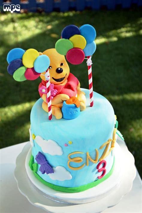 g 226 teau anniversaire winnie p 226 te 224 sucre winnie the pooth cake design bapt 234 me sevan