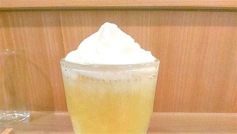 Resep minuman kali ini aku sharing cara membuat minuman kekinian yaitu mango yakult, ini asli enak, mudah membuatnya, cuma butuh shaker saja.bahannya: Lebih Kekinian, 5 Kreasi Minuman Serba Yakult yang Segar - Halaman 6